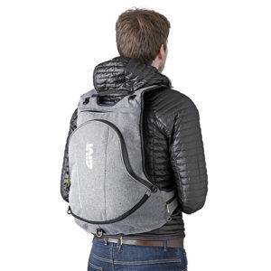 EA104GR givi ruksak za motocikl 02 300x300 - EA104GR Givi Ruksak