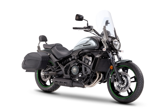 motocikl kawasaki vulcan cafe light tourer 2018 02