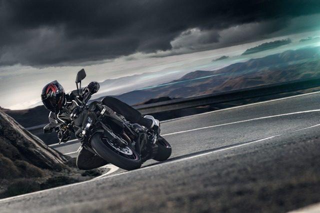 motocikl kawasaki z1000 04