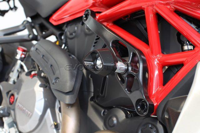 ducati monster 1200 štitnik defender klizač motocikla 02